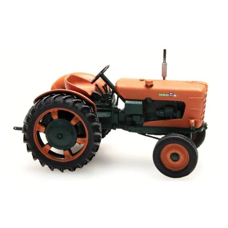 Tracteur Someca - roues étoites - patiné - époque III - H0
