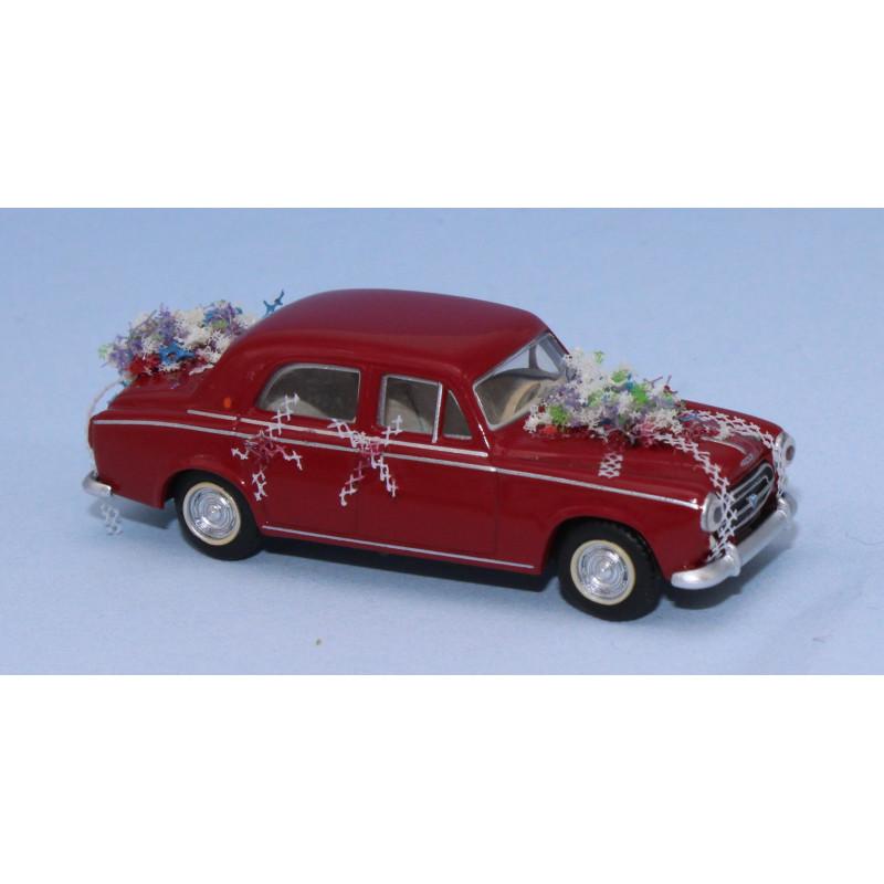Peugeot 403 Berline - rouge - voiture des mariés