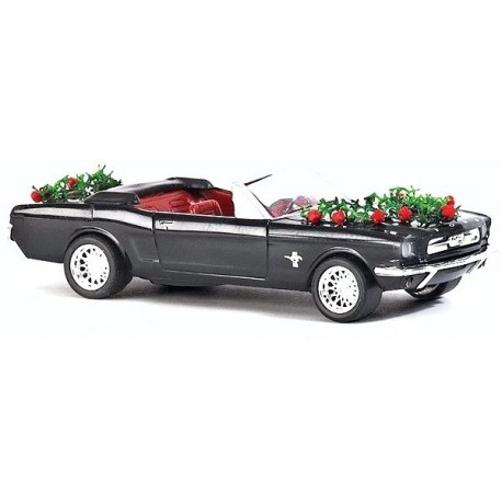 """Mustang cabriolet """"mariage"""" - H0"""