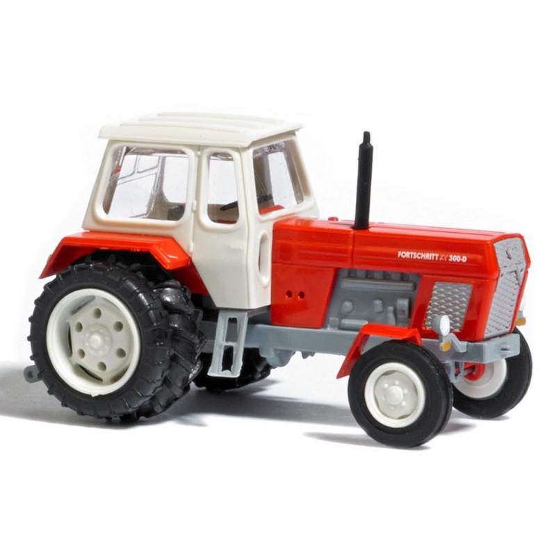 Tracteur Fortschritt 300D rouge avec roues AR jumelées - TT