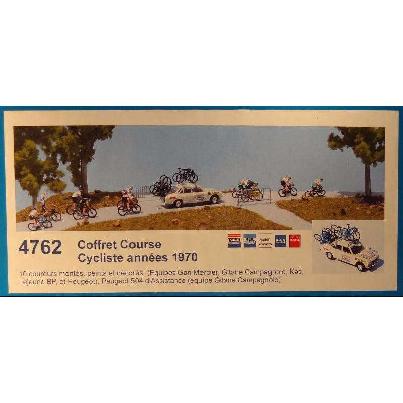 """Coffret """"course cycliste, années 1970""""  : 10 coureurs + 504 d'assistance - H0"""