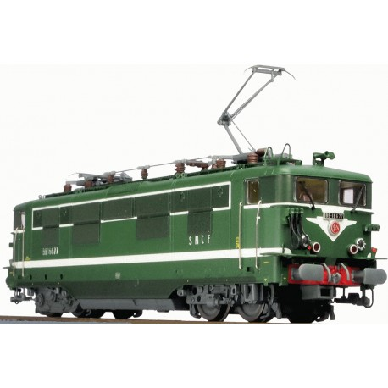 BB 16677 SNCF dépôt de Paris-La Villette - gdes persiennes - plaques - livrée verte - H0