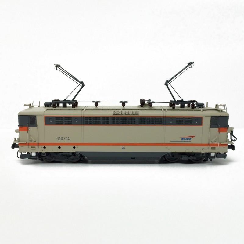 BB 4 16745 SNCF dépôt de Lens - petites persiennes - logo casquette - livrée béton - H0