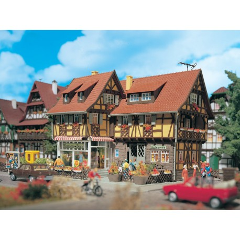 Maison de village + fleuriste - aménagement intérieur