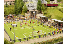 Terrain de foot  + club house + personnages + animations sonore et lumineuse